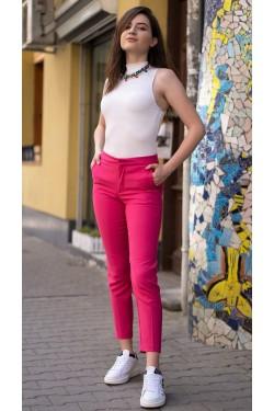 Модерен панталон със средна талия